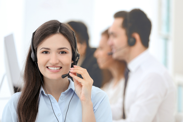 Medical answering services using trained bi-lingual operators
