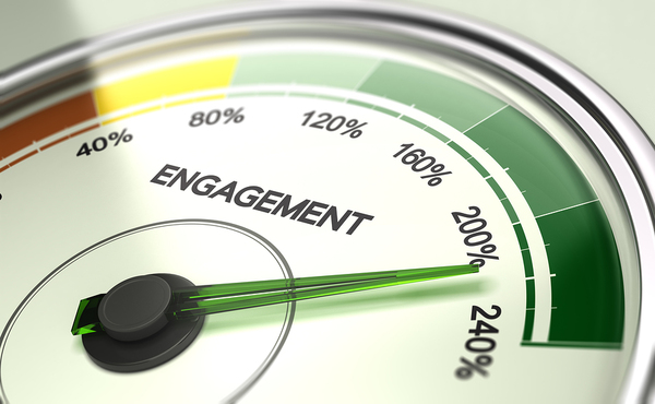 Engagement dial.