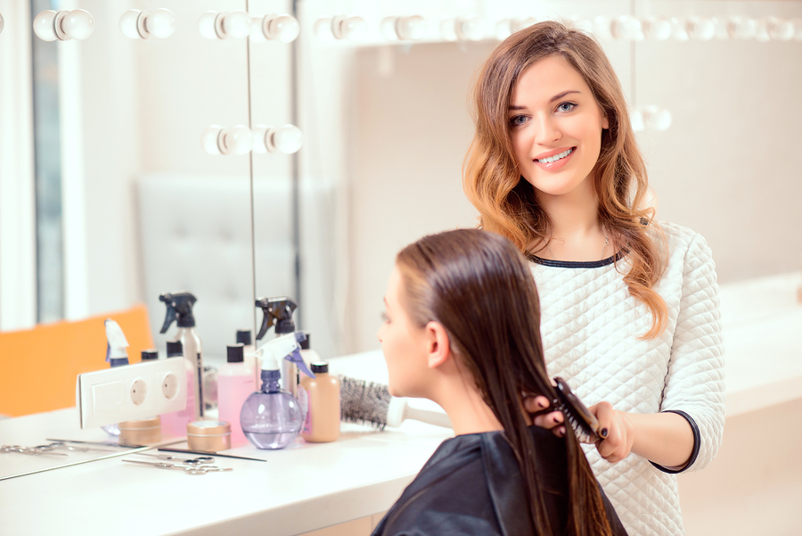 4 things to consider when researching online cosmetology for A 1 beauty salon