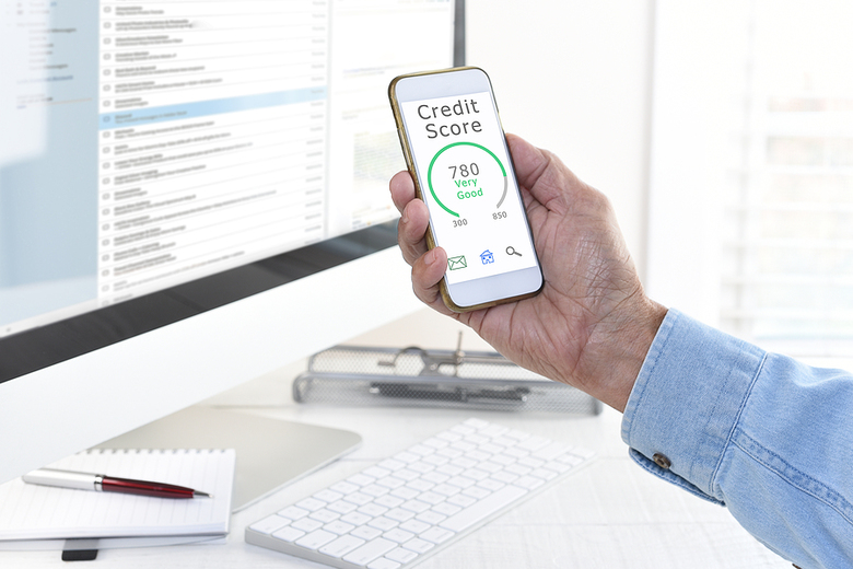 Credit score displayed on a phone.