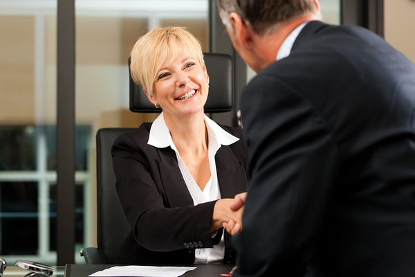 A Lawyers answering service helps retain and acquire clients