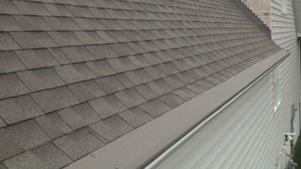 Gutter guard costs get a professional installer to add gutter guards to your home to ensure that they will work effectively solutioingenieria Images
