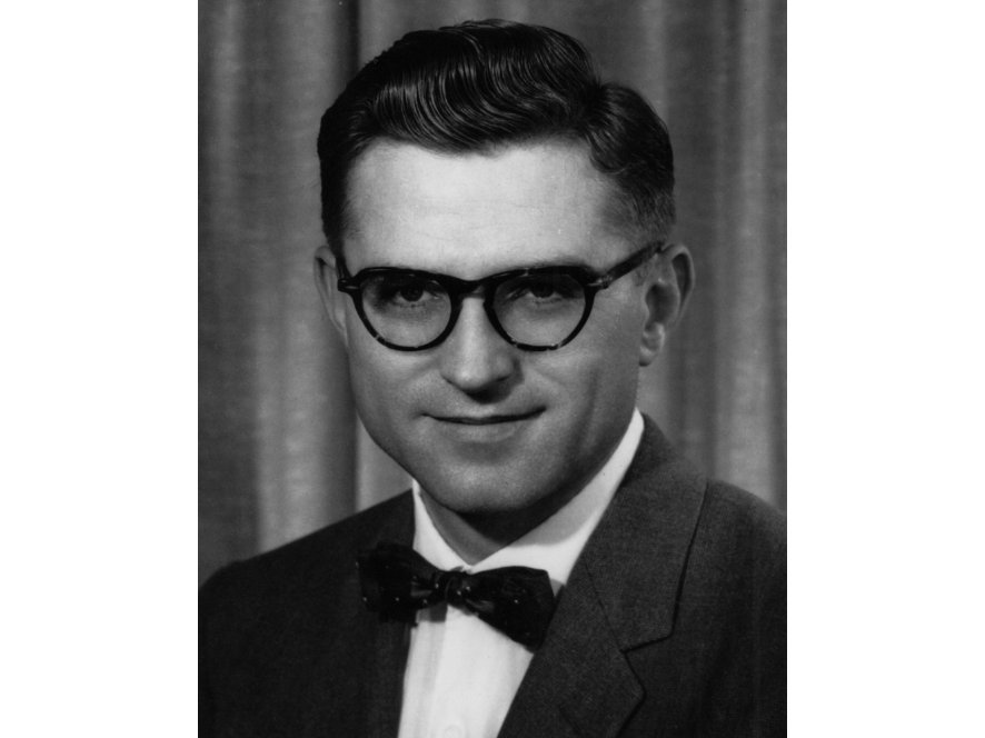 Photo: Gene Amdahl, c. 1960 (c) IBM Corporation